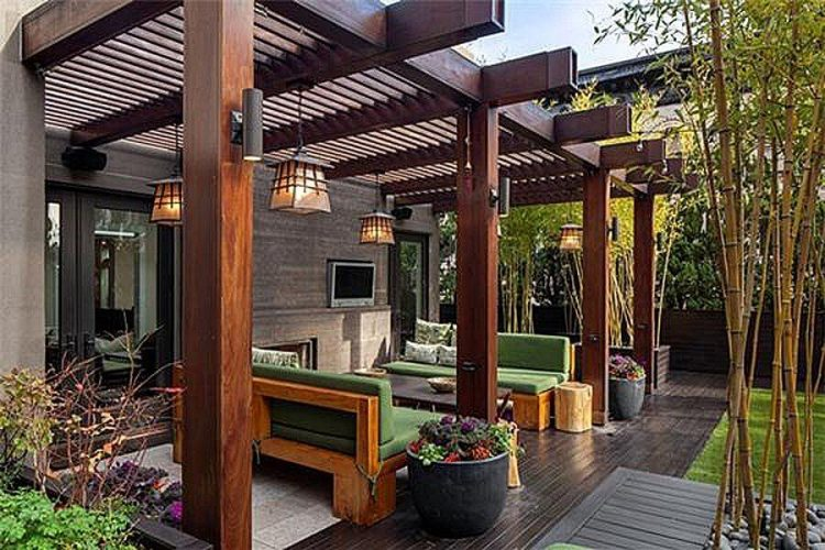 Questions to Ask When Hiring A Builder to Construct Your Designer Pergola