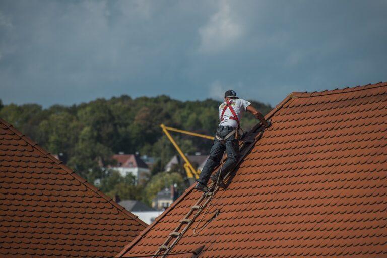 Handling Your Roofing Emergencies